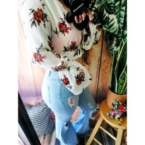 Tops - Boho floral cropped long sleeve ✨